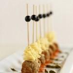mini-spaghetti-and-meatballs-party-wedding-appetizer-mini-bites-party-food #minispaghettiandmeatballs #weddingfood #partyfood #bestrecipes