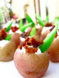 Mini Bites + Party Food Recipes Loaded-Baked-Potato-Bites- Party Food Recipes and Mini Bites, Best Party Appetizers @frostedevents