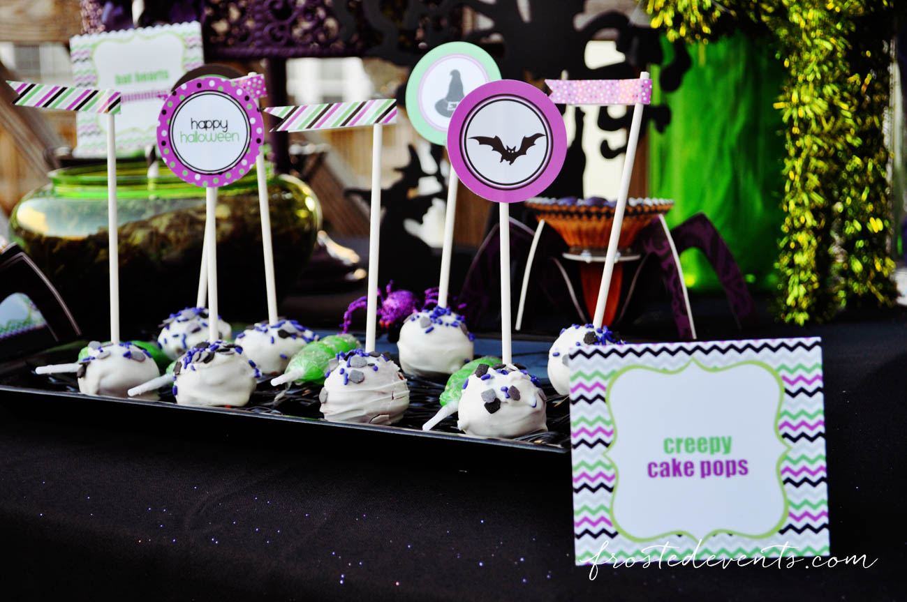 Cute cake pops! Halloween Party Themes - Monster Mash Fun Halloween Party for Kids Ideas + Halloween Printables