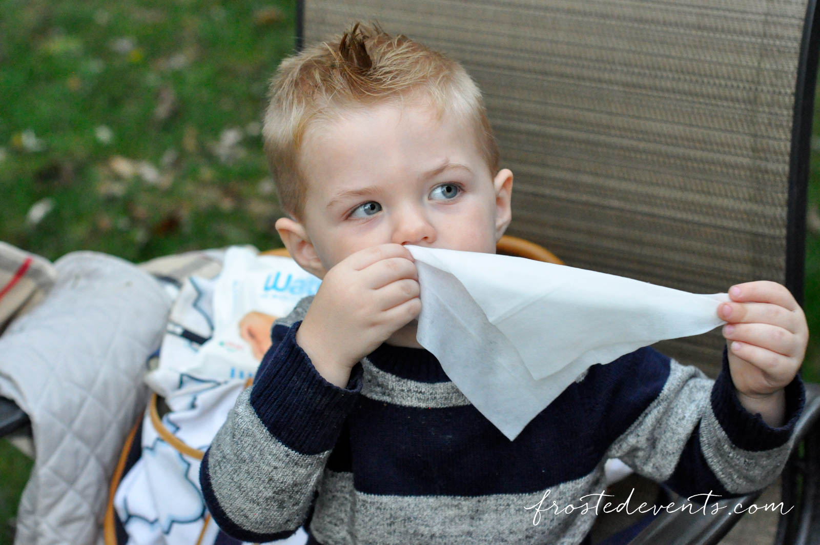Outdoor Activities with Kids Moms Must Haves for Busy Toddlers Water Wipes frostedevents.com