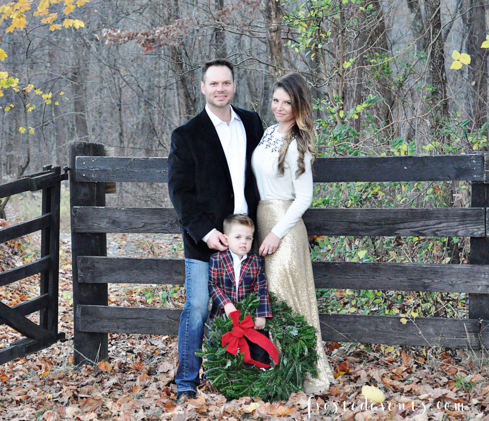 family-christmas-pictures-holiday-card-ideas-portraits-cards-misty-nelson-frostedevents-mom-blogger-19