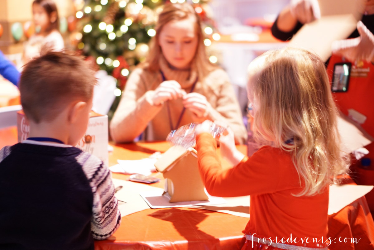 Gaylord National Harbor ICE! 2017 Christmas event family fun in the washinton D.C. area via Misty Nelson, mom blogger and influencer Gaylord National Harbor ICE! 2017 Christmas event family fun in the washinton D.C. area via Misty Nelson, mom blogger and influencer
