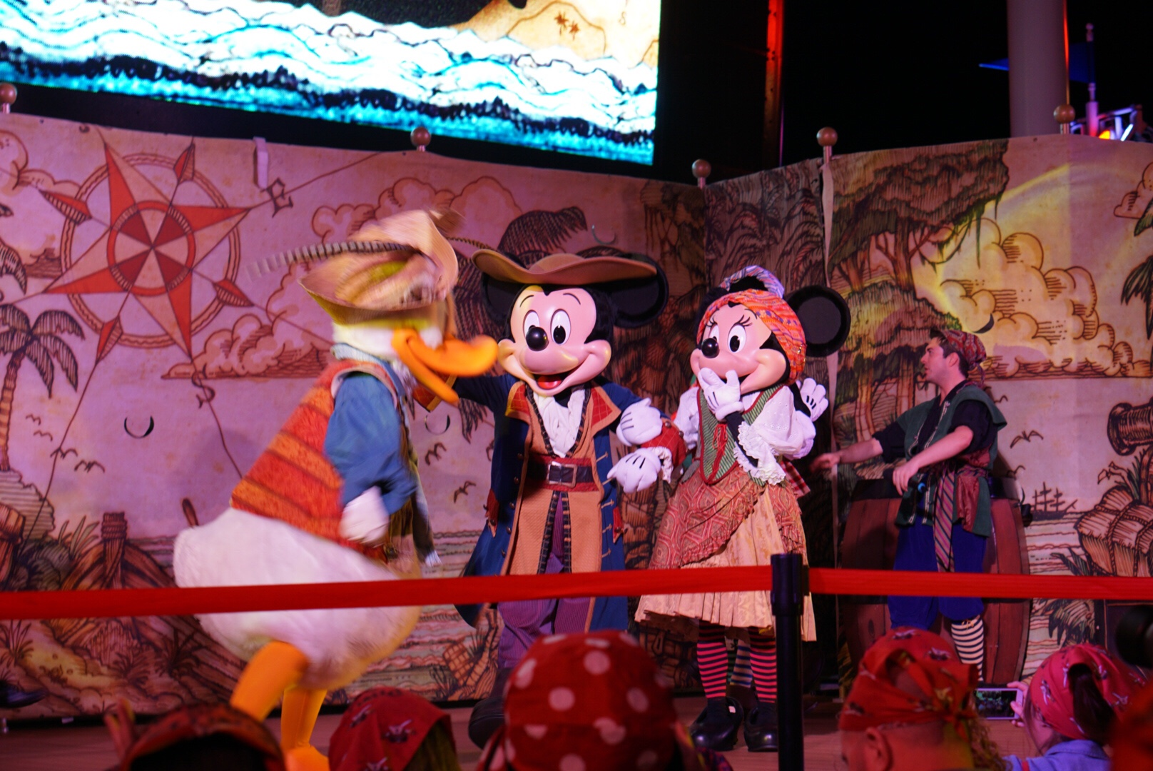 Disney Dream Cruise Ship - Disney Cruise Pirate Night - DisneySMMC Disney Social Media Moms Celebration 2018 via Misty Nelson #disneysmmc #disneymoms