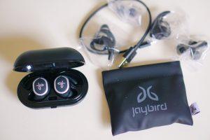 Jaybird Run True Wireless Headphones Review by Tech Blogger Misty Nelson, Best Buy Blogger Reviews of latest tech gadgets and trends @frostedevents Frosted Blog #tech #technology #techgifts #wirelessearbuds #headphones