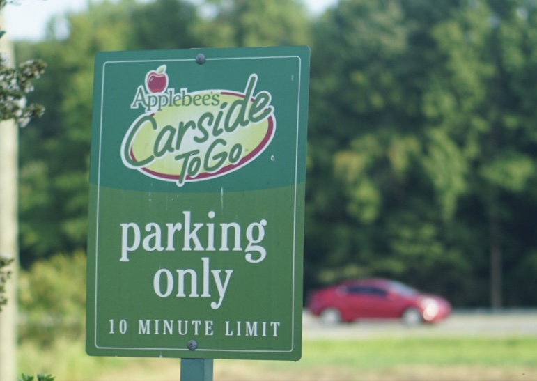 Applebees Carside ToGo Menu Makes Family Meals Easy for Moms