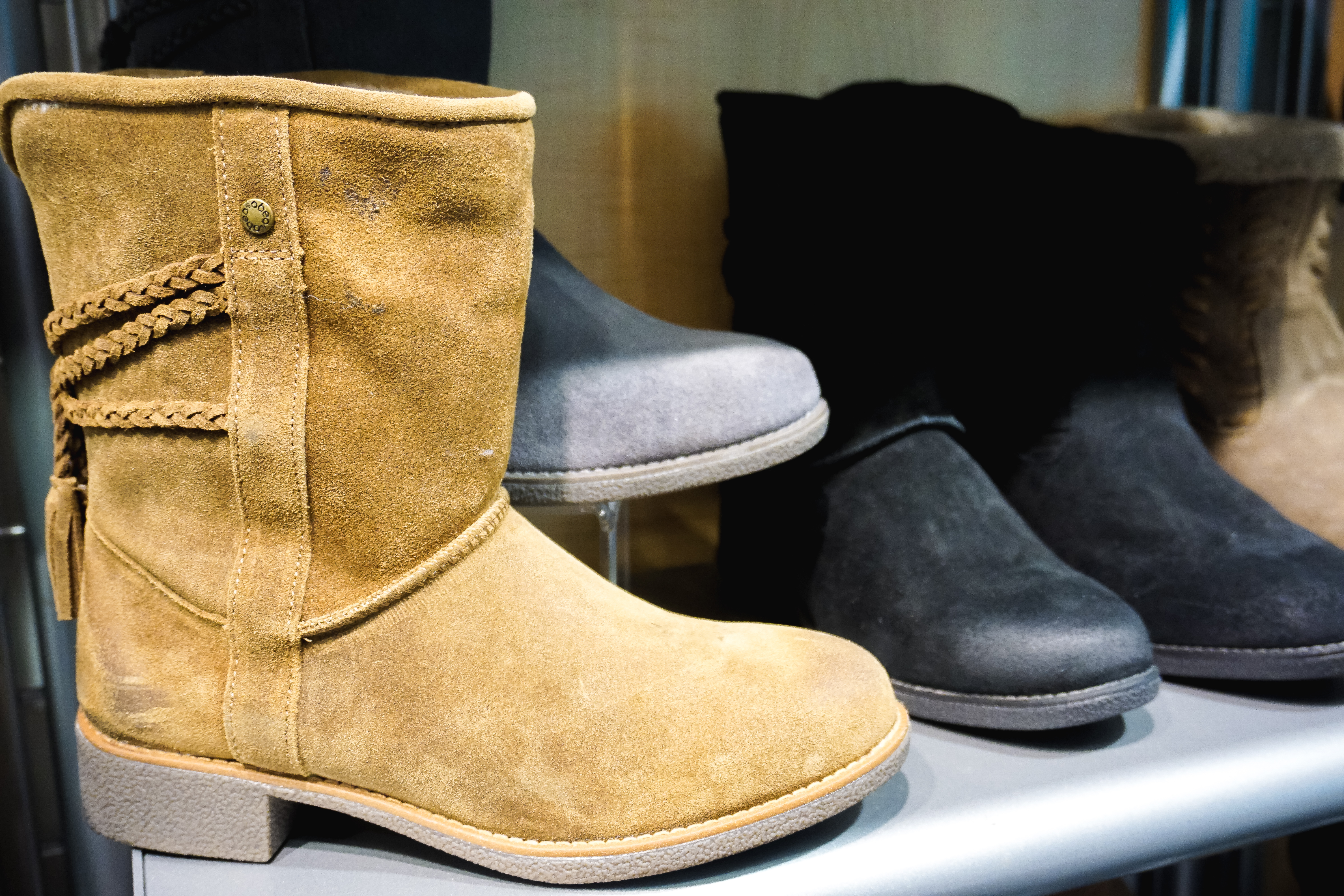 CUSTOM FOOTWEAR THAT'S COMFORTABLE AND STYLISH