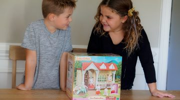 Calico Critters - Best Christmas Gifts for Kids - Holiday Gift Guide @frostedevents