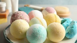 How to Make Bath Bombs - frostedBLOG DIY and Craft Ideas