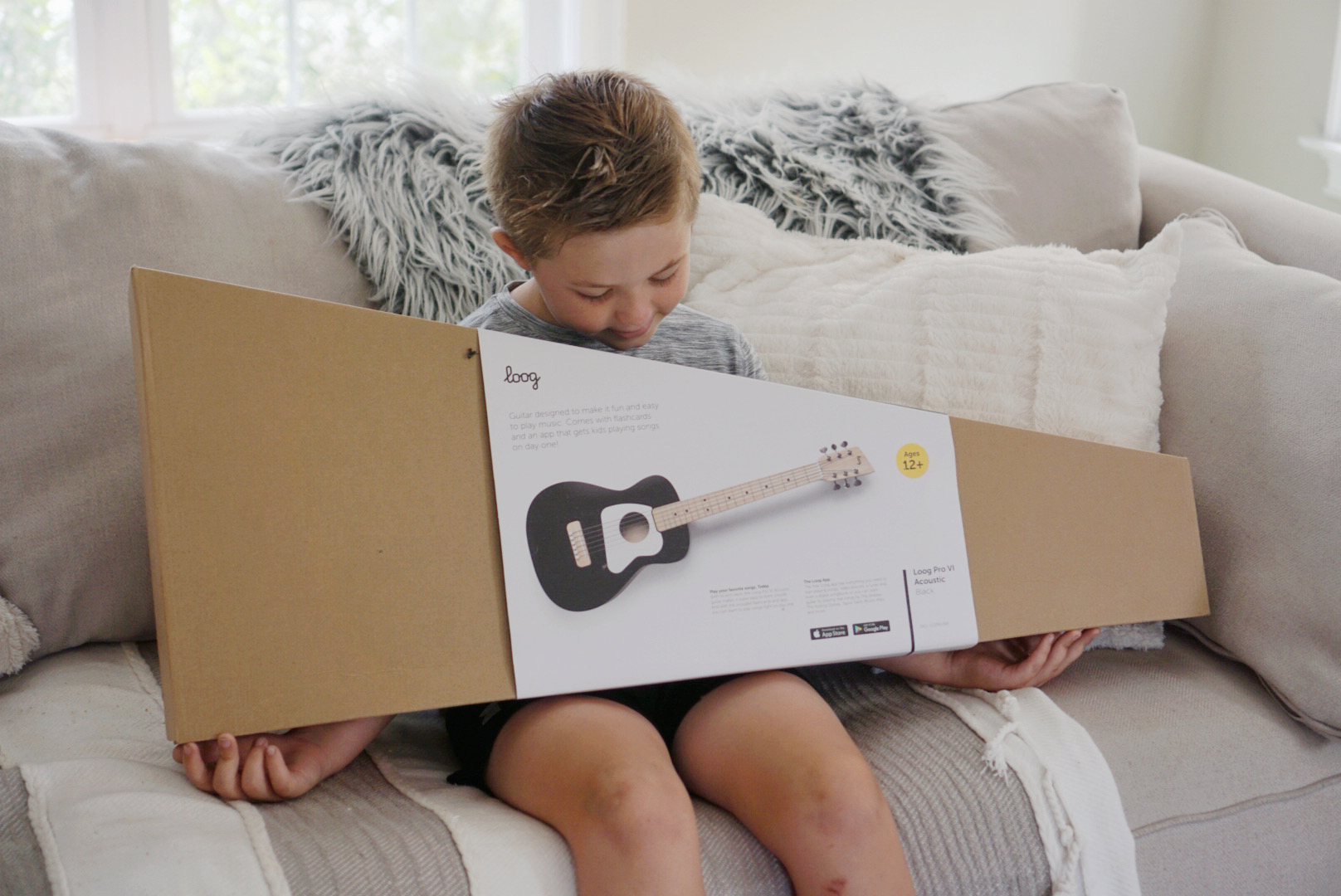 Loog Guitar Review - Best guitar for kids and Guitar Lessons app with video learning plus songbook